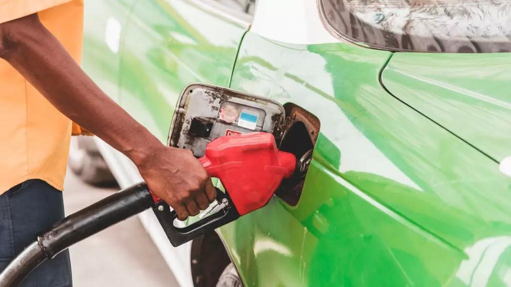 محطات الوقود في الكورة رفعت خراطيمها وامتنعت عن تعبئة البنزين