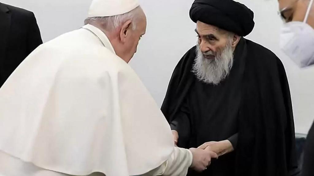 """البابا فرنسيس: اللقاء مع المرجع الشيعي السيستاني """"أراح نفسي"""""""