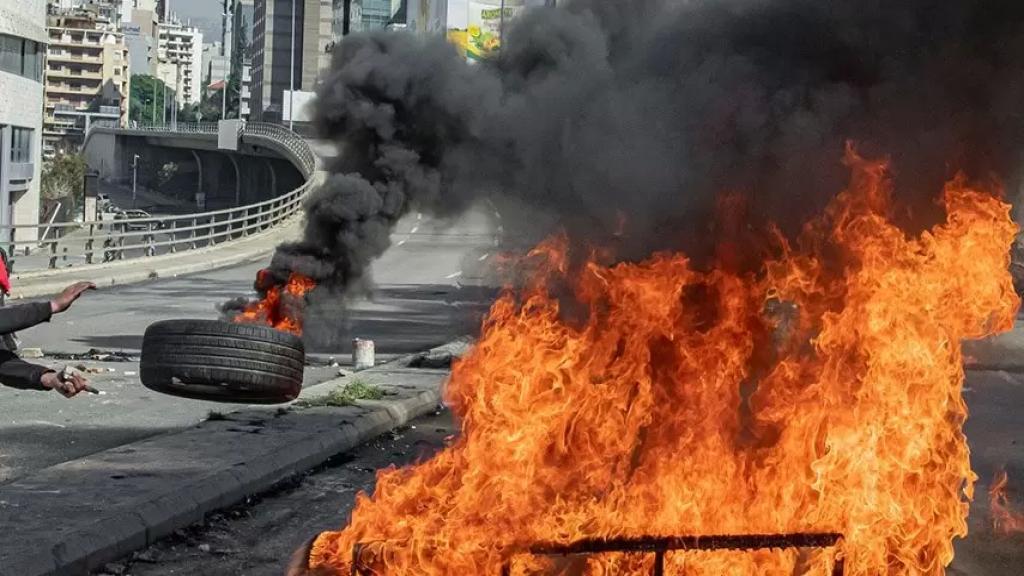 الولايات المتحدة تدعو مواطنيها لإعادة النظر بالسفر إلى لبنان بسبب كورونا والأوضاع الأمنية والإضطرابات المدنية!