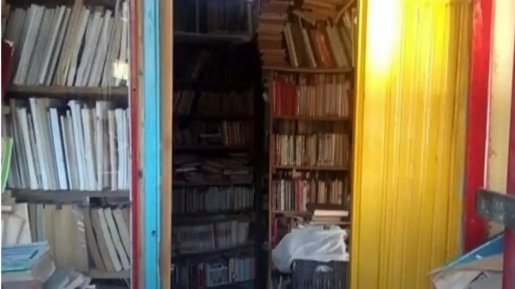 """سرقة محطة BAZAR DU LIVRE الثقافية التي تسقبل الطلاب ومحبي القراءة والمطالعة للحصول على كتب في قضاء البترون في وضح النهار..""""سرقوا كل ما يمكن حمله من دون المس بالكتب"""""""