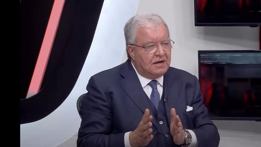 بالفيديو/ المشنوق مهاجمًا بهاء الحريري: الّي ما فيه خير لخيّو ما فيه خير للبلد!