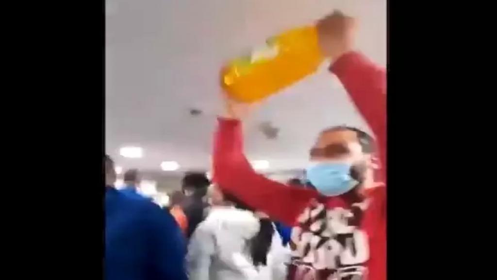 فيديو متداول لإشكال في سوبرماركت رمّال والبضائع المدعومة السبب!