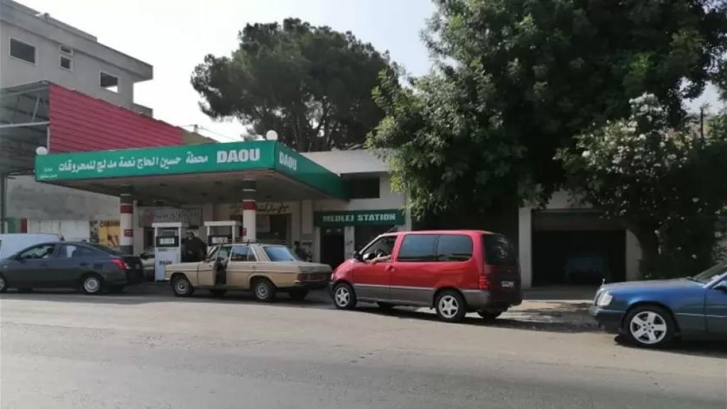 التعبئة 10 آلاف ليرة فقط للسيارة.. أزمة بنزين في النبطية