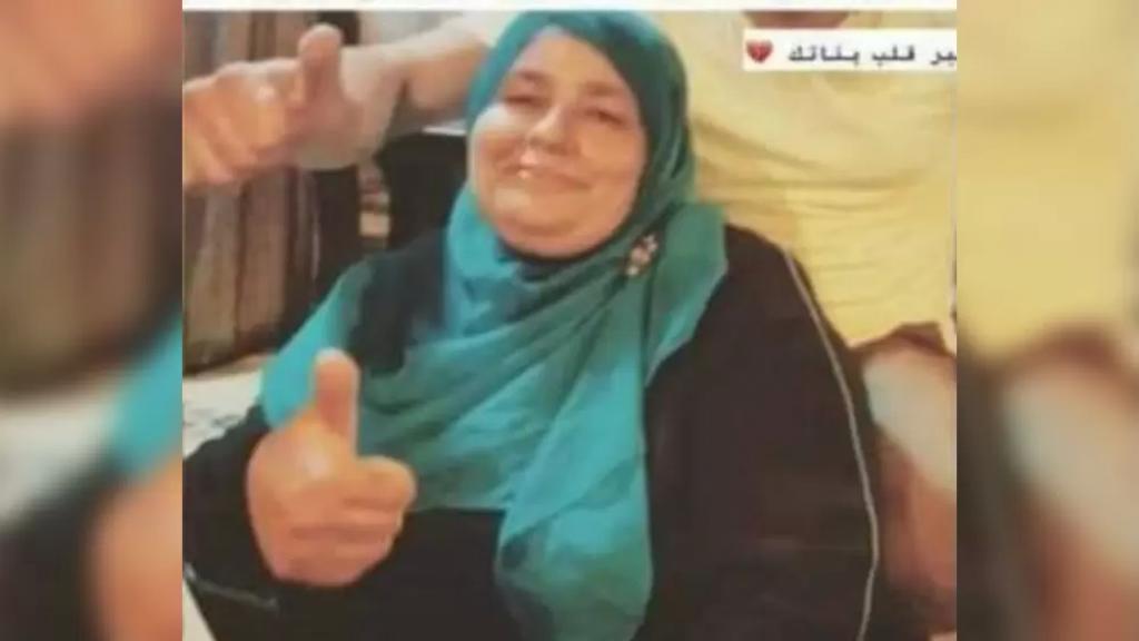 ألمّتها ذبحة قلبية بعد ورود خبر تعرض بناتها لحادث سير على أتوستراد المنية.. وفاة أم وهي في طريقها للمستشفى
