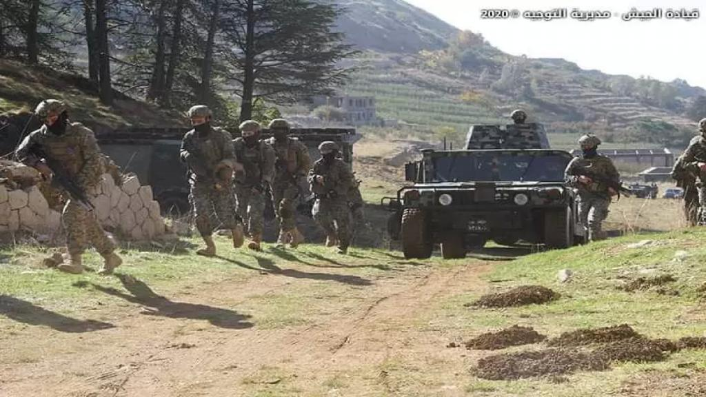 الجيش اللبناني اوقف الرأس المدبر لعمليات السلب والاستدراج وعدد من مساعديه في بريتال والذين يُعتبرون من اخطر المطلوبين