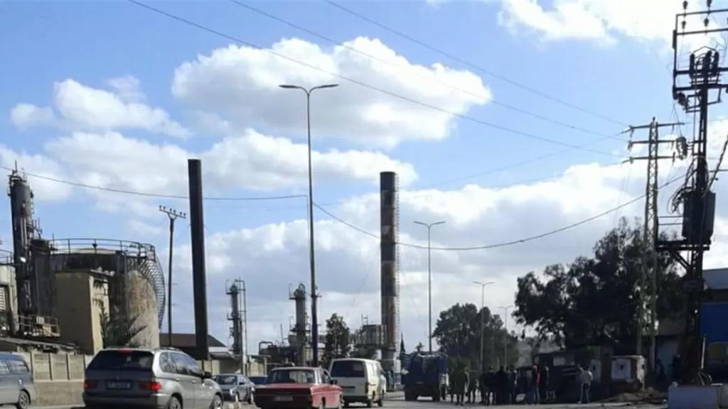 قرار للجيش بعدم السماح بقطع أوتوستراد دير عمار عند نقطة محطة اكومة