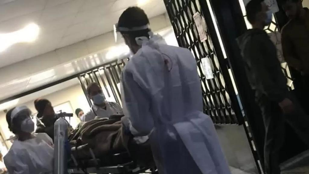 بعد تدهور حالته الصحية.. طوافة تابعة للجيش تنقل الجريح الذي أُصيب برصاصة طائشة من عكار إلى بيروت
