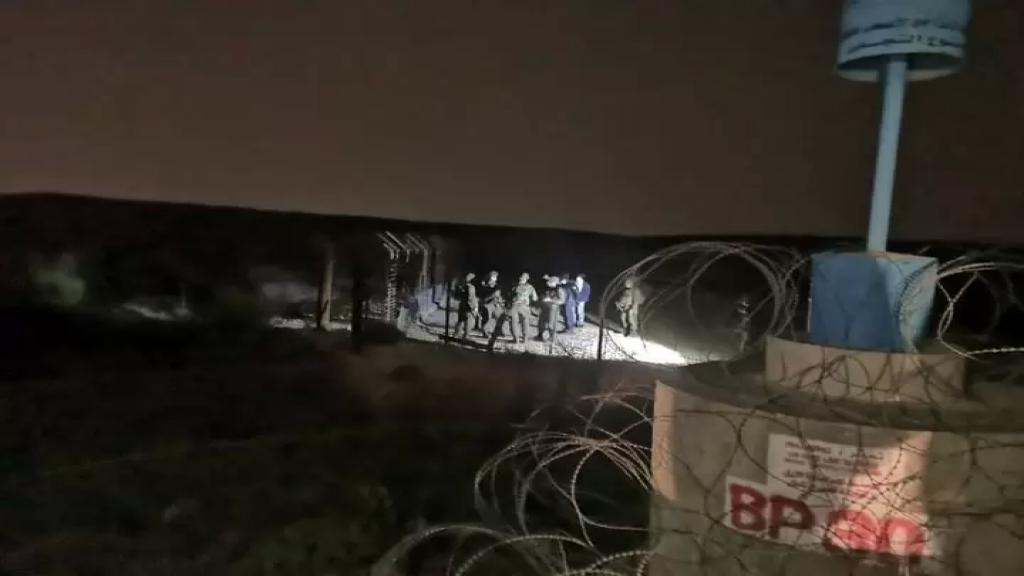 جيش الاحتلال الاسرائيلي يطلق سراح السودانيين الثلاثة من جهة خلة غزالة المحادية لبلدة بليدا والجيش اللبناني يقوم بالبحث عنهم