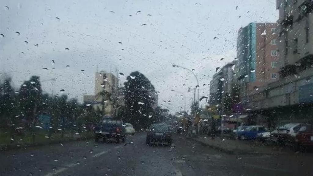 غبار وأمطار موحلة اليوم.. استعدوا لأمطار طوفانية وغزارة في حبات البرَد وعواصف رعدية بنسبة 90%