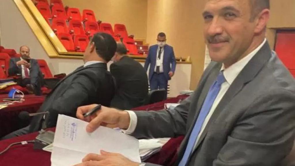 وزير الصحة بحث مع سفير روسيا في شراء مليون جرعة من لقاح SPUTNIK V ووقع على مرسوم لشراء مليون ونصف المليون جرعة من أسترازينيكا