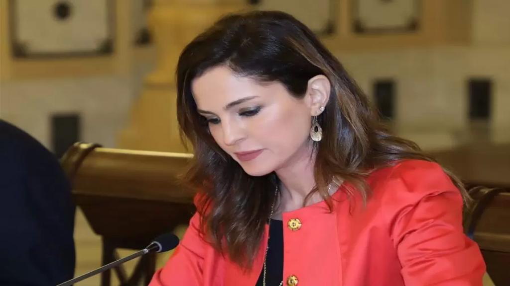 """منال عبد الصمد: أكيد مش """"كلن يعني كلن"""" حتى """"لا يذهب الصالح بعزا الطالح"""""""