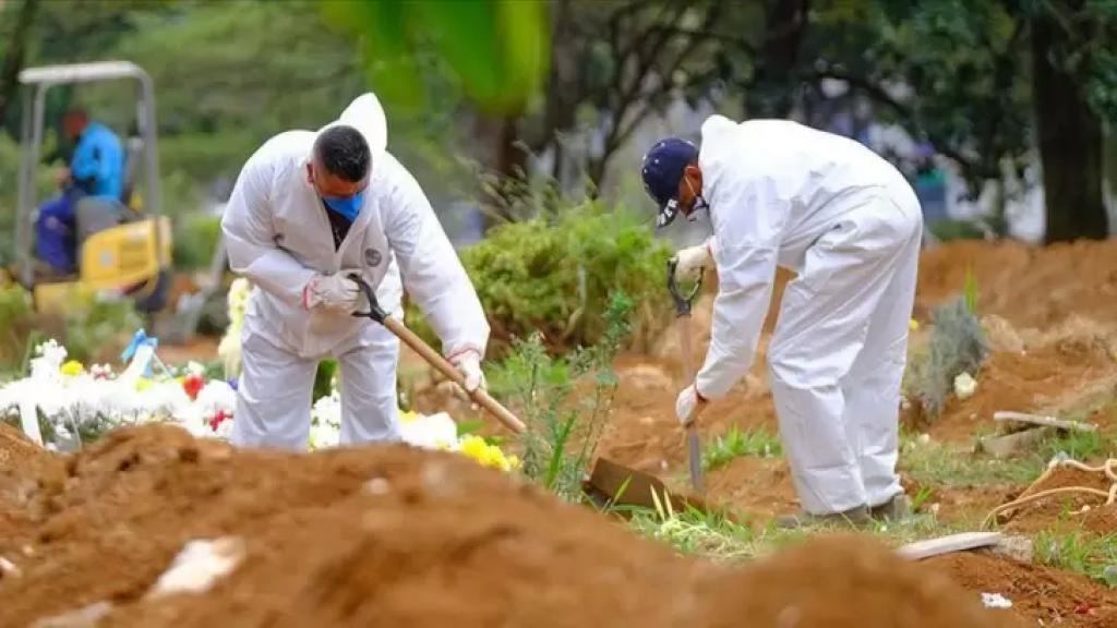 """الرئيس البرازيلي السابق: تفشي وباء كوفيد-19 في البلاد يمثل """"أكبر مجزرة في تاريخ البرازيل"""""""