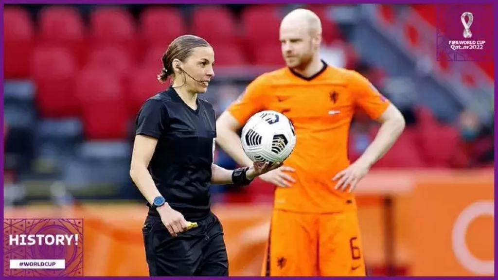 أول امرأة في التاريخ تدير مباراة بتصفيات كأس العالم