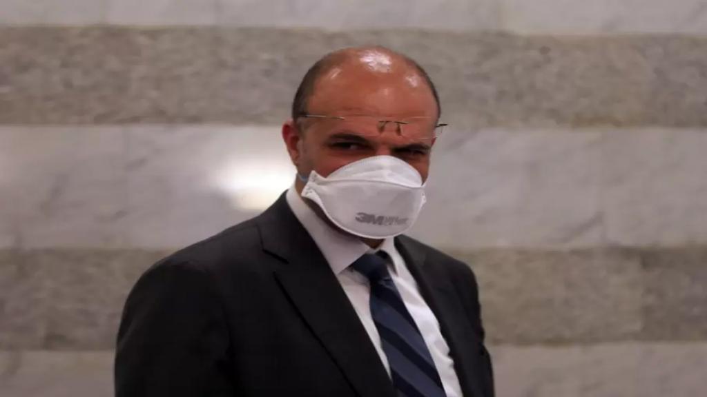 حمد حسن: شهد لقاح استرازينيكا اقبالاً جيداً جداً في لبنان وندعو اللبنانيين ألا ينجروا للتهويل