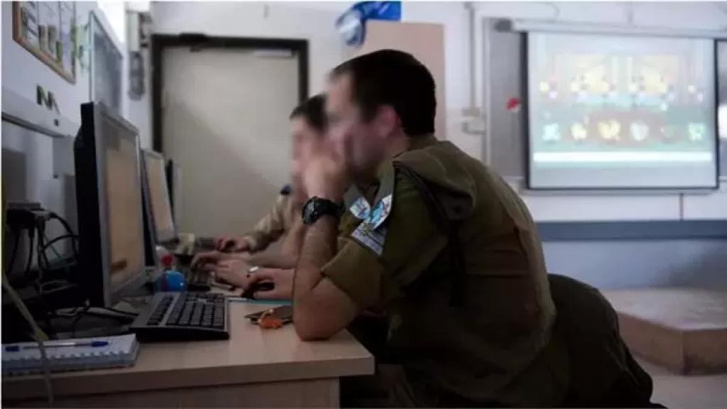 """تواصلا مع ضباط """"إسرائليين"""" وزودوهم بمعلومات.. والعسكرية تصدر الحكم بحقهما!"""