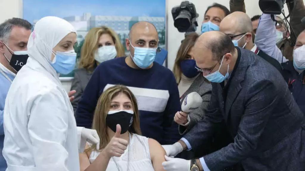 حمد حسن: وزارة الصحة حجزت 750 ألف لقاح إضافي من فايزر للقطاع الخاص