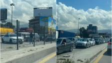 بالصور/ قطع السير على المواطنين عند نقطة الفوروم للسماح بمرور موكب أحد السياسيين ما تسبب بزحمة خانقة (MTV)