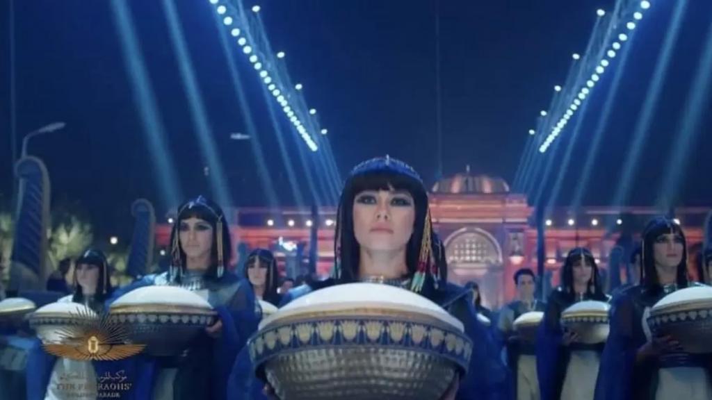 في مشهد تاريخي مهيب.. مصر أبهرت العالم و#موكب_المومياوات_الملكية يتصدّر التريند