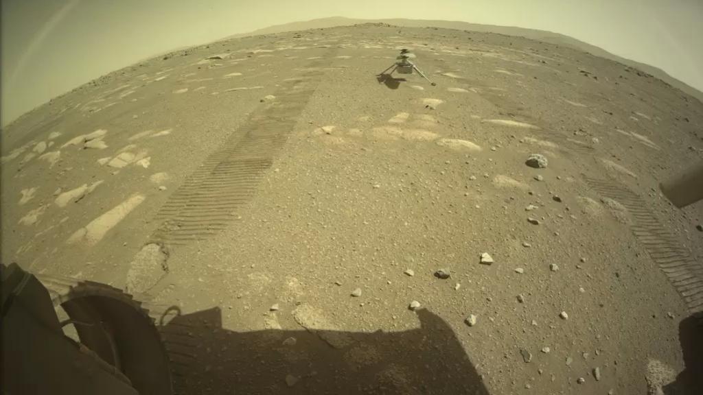 """في أول رحلة تاريخية..""""مروحية المريخ"""" تهبط على الكوكب الأحمر!"""