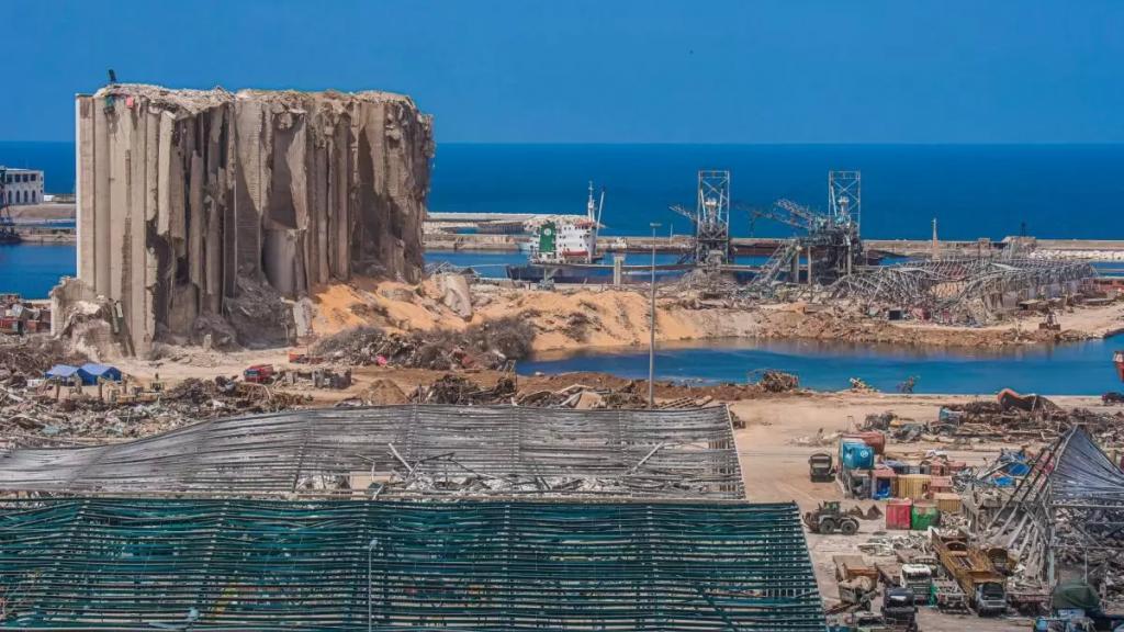 """""""مشروع قد يؤمّن نحو 50 ألف فرصة عمل""""...محافظ بيروت ناقش والسفير الألماني إعادة إعمار مرفأ بيروت"""
