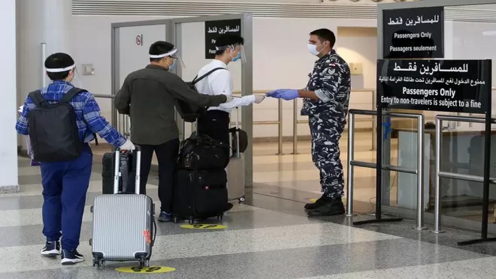 تراجع حركة الركاب في المطار خلال الربع الأول من 2021 بنسبة 43%