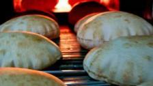 سعر ووزن ربطة الخبز لهذا الاسبوع... رفع وزن الربطة الكبيرة إلى 920 غ وإبقاء سعرها 2500ل.ل