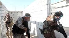 الجيش: توقيف 12 لبنانياً وسوريَيْن لتورّطهم في تهريب مادة المازوت وتهريب أشخاص وضبط 5 صهاريج بداخلها 74000 ليتر مازوت و4 خزانات بداخلها 5500 ليتر مازوت...