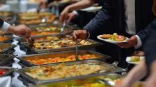 رئيس نقابة أصحاب المطاعم والمقاهي والملاهي: توصيات لجنة كورونا ستضرب القطاع المطعمي خلال شهر رمضان ولا حسيب ولا رقيب في المنازل بينما في المطاعم هناك إجراءات