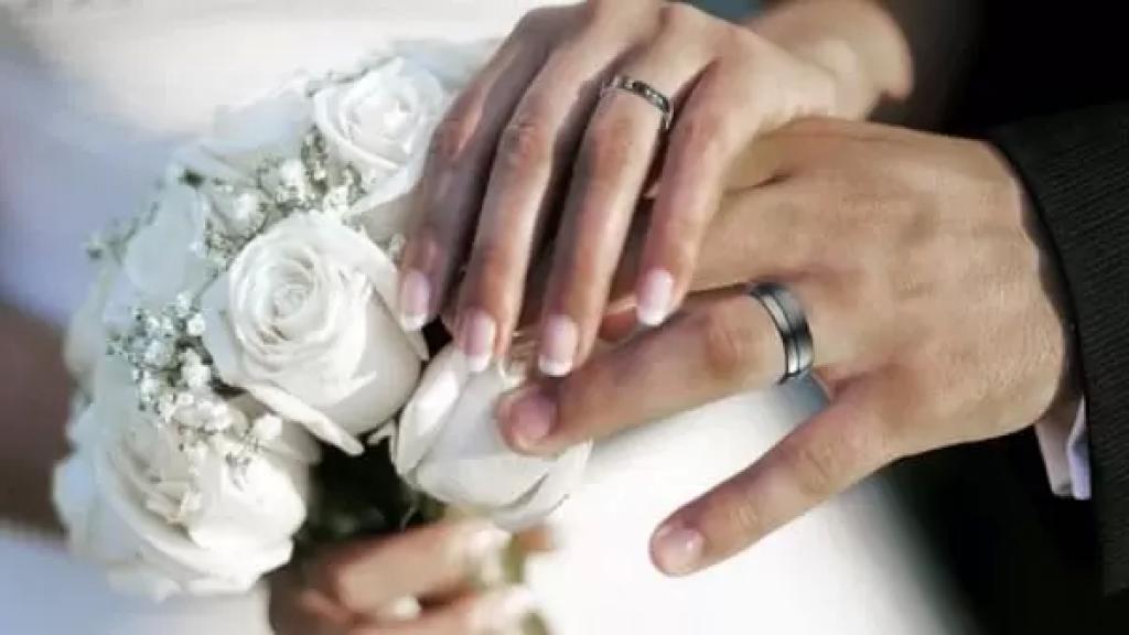 """""""الزواج"""" بظلّ الأزمة والأسعار الجنونية.. """"مَن لا يتقاضى راتبه بالدولار أفضل ألّا يتزوج"""""""