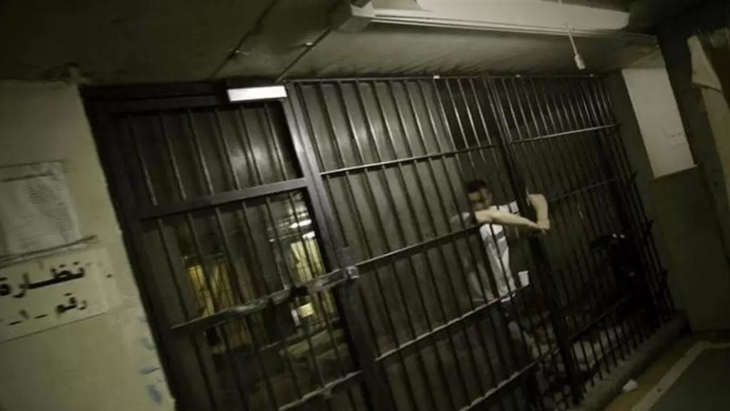 هرج ومرج داخل سجن بينو.. سجناء يحتجون ويحرقون الأغطية! (لبنان 24)