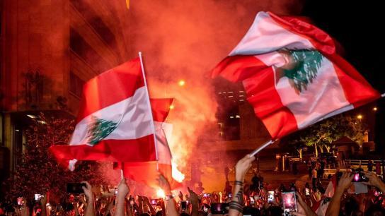 الشرق: بيان شديد اللهجة سيصدر عن باريس مطلع الاسبوع المقبل سيسمي معرقلي تشكيل الحكومة في لبنان والعقوبات الفرنسية خلال أيام