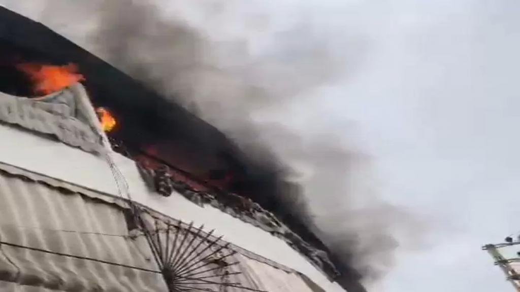 بالفيديو/انفجار قنينة غاز في احدى الشقق في بلدة الشهابية الجنوبية