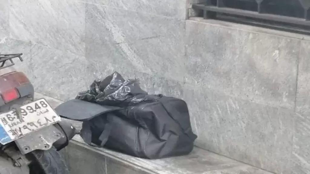 معلومات للـ LBCI: شعبة المعلومات اوقفت الشخص الذي قام برمي حقيبة تحتوي على اشلاء بشرية في بيروت شارع الملا، وتبيّن انه من الجنسية البنغلادشية