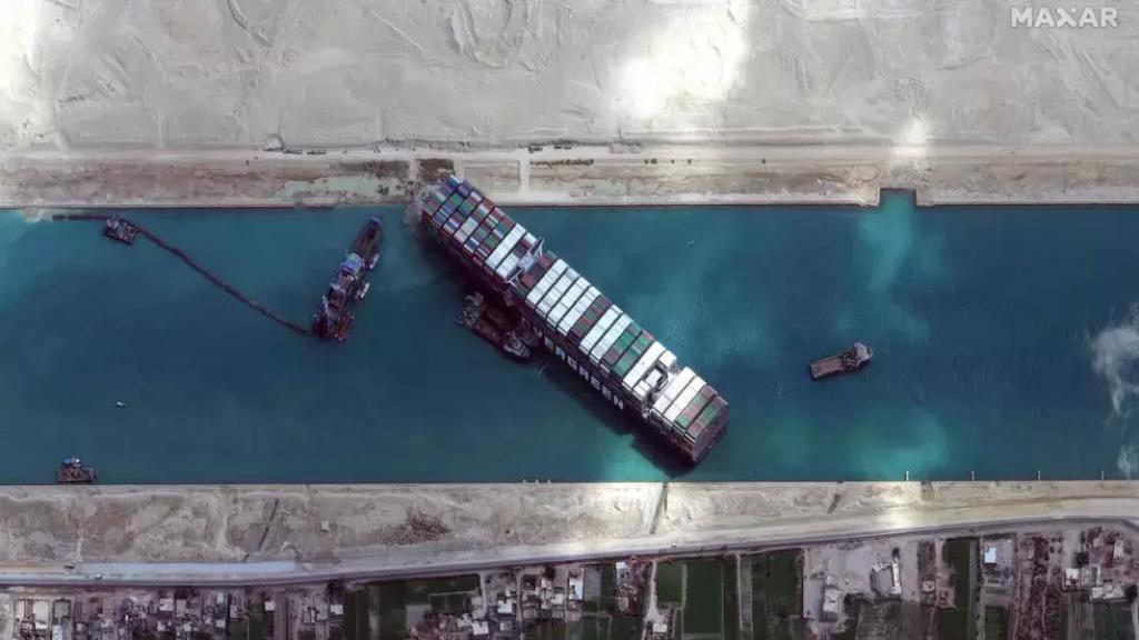 هيئة قناة السويس تتحفظ على سفينة إيفر غيفن وتطلب 900 مليون دولار كتعويض!