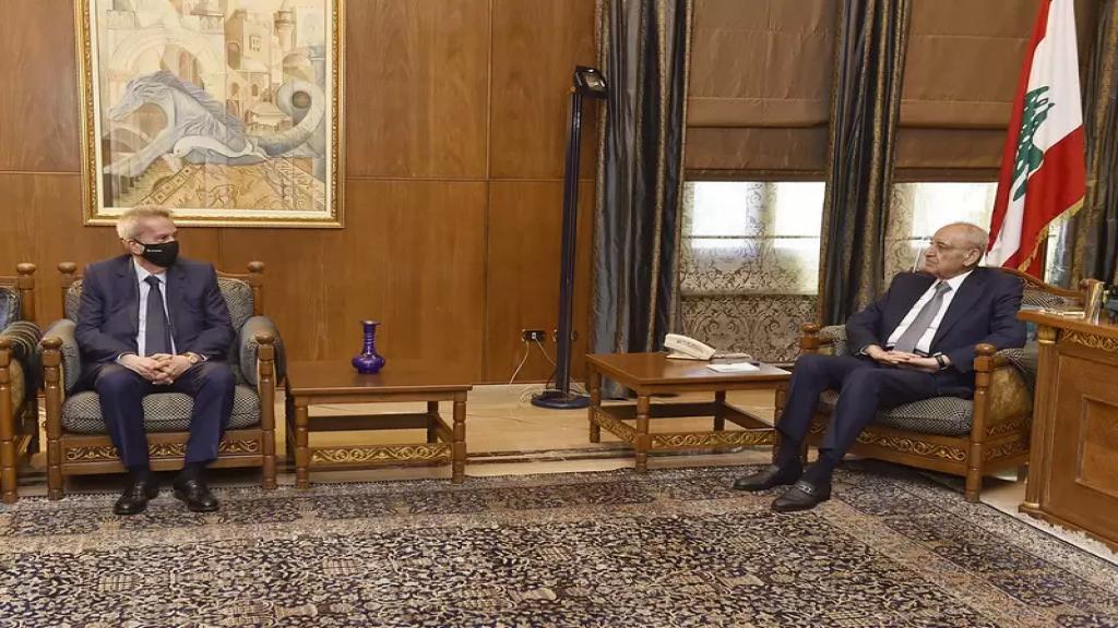 الرئيس بري عرض الوضع المالي مع حاكم مصرف لبنان الذي غادر من دون الادلاء بتصريح