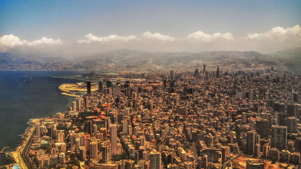 استعدوا لرياح خماسينيّة.. كتل هوائية حارة وجافة محملة بغبار ابتداء من السبت وتشتد الإثنين المقبل على لبنان