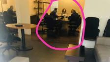 القاضية غادة عون وصلت إلى مكاتب شركة مكتّف للصيرفة في عوكر لإكمال التحقيق رغم صدور قرار بكف يدها عن هذه الملفات من قبل عويدات