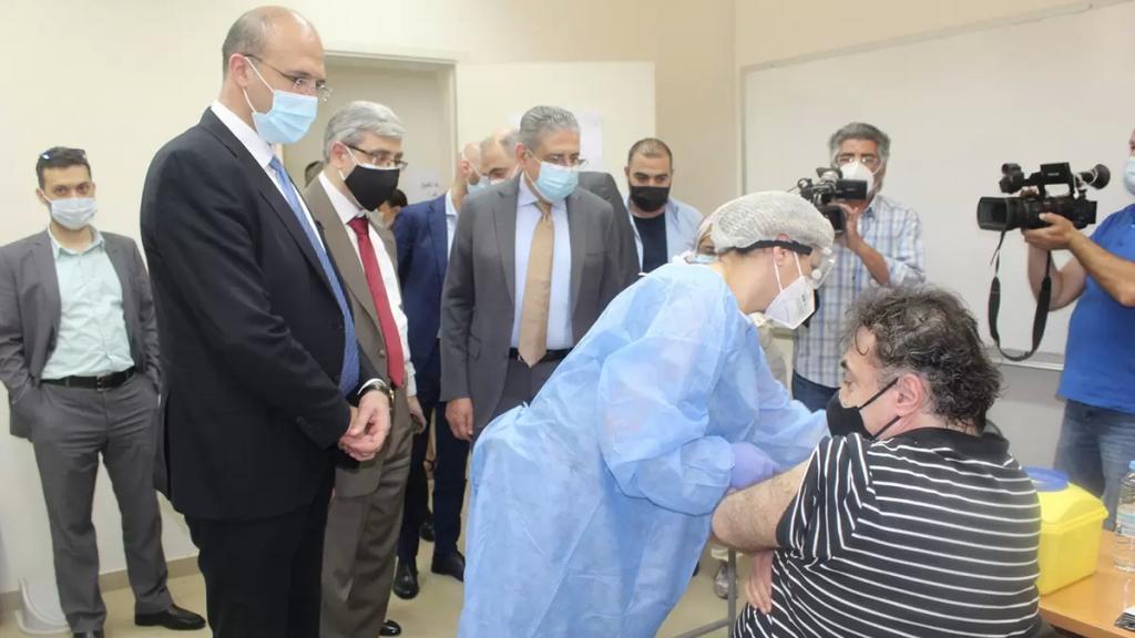بالصور/ الجامعة اللبنانية تُطلق حملة التلقيح ضد كورونا.. والرئيس أيوب: بدأنا أولى الخطوات في مسار مواجهة الجائحة تمهيدًا للعودة الآمنة إلى الحياة الجامعية