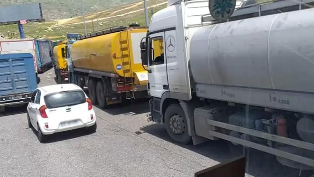 الجيش يوقف مهربي مازوت وبنزين كانوا بصدد تهريب كميات كبيرة عبر الحدود اللبنانية - السورية!