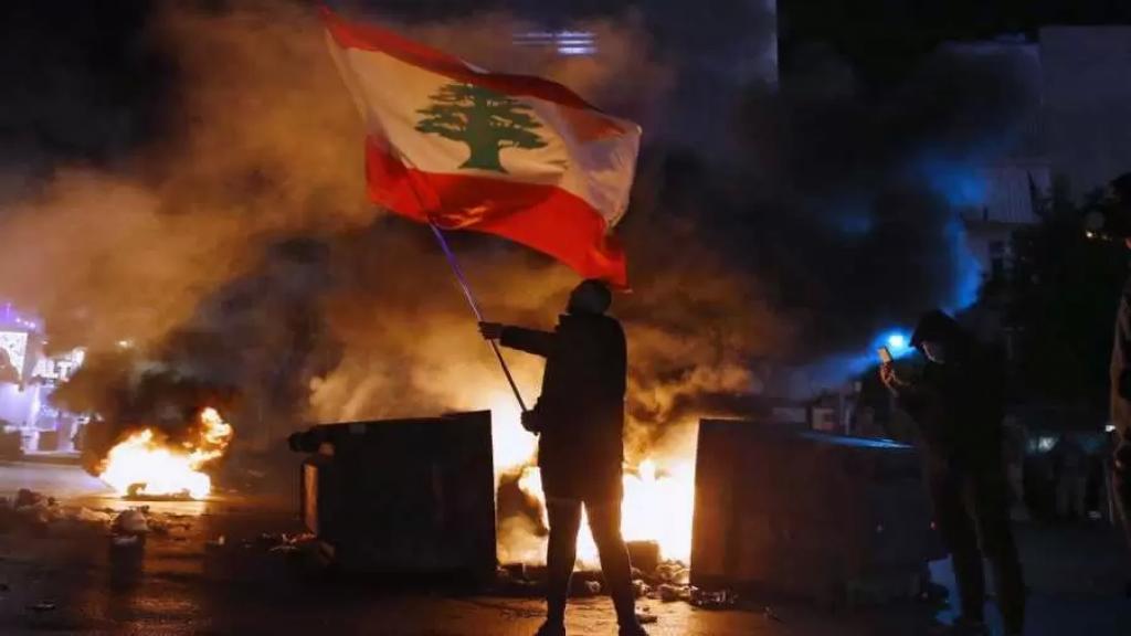 """""""موديز"""" تحذّر: فقدان لبنان لعلاقات المراسلة المصرفية سيسرّع من تراجعه الاقتصادي"""