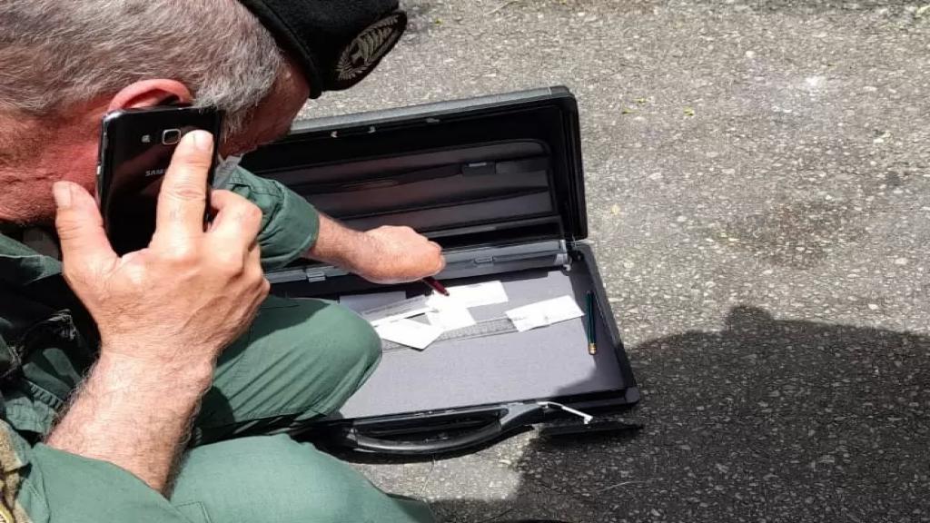الخبير العسكري كشف على الحقيبة المشبوهة في زوق مكايل وتبين أن في داخلها مغلفات ورقية خاصة ولا تحتوي مواد خطرة