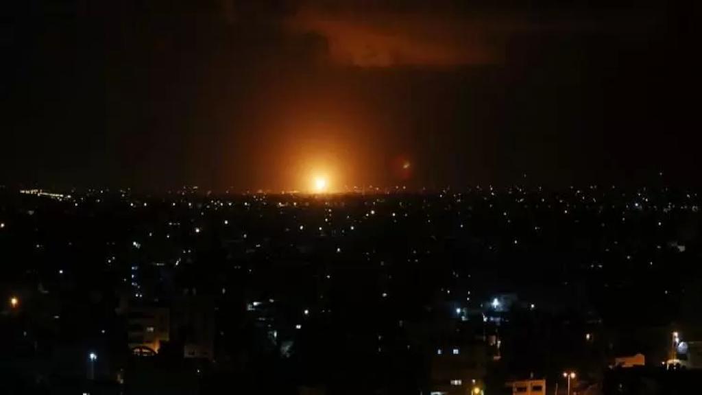 الجزيرة عن وسائل إعلام إيرانية: كان بإمكان الصاروخ أن يتابع طريقه إلى مفاعل ديمونا الإسرائيلي لكن صناعة كارثة ليس مطلوبًا