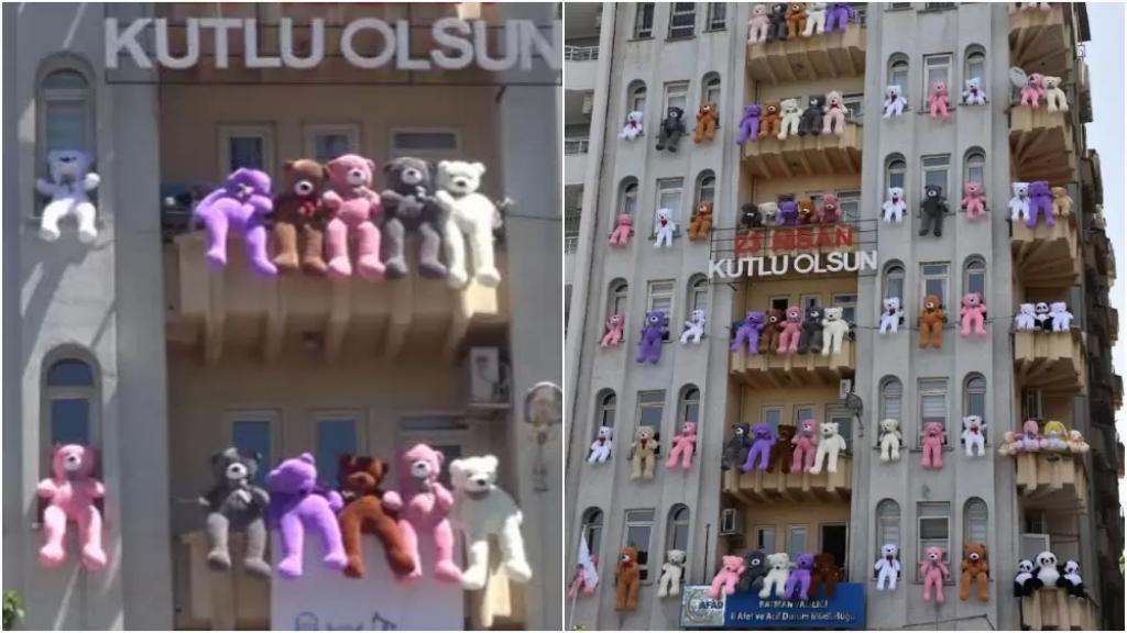 بالفيديو/ بلدة تركية تعلق عشرات الدمى على مبنى إدارة الكوارث لمناسبة عيد الطفولة