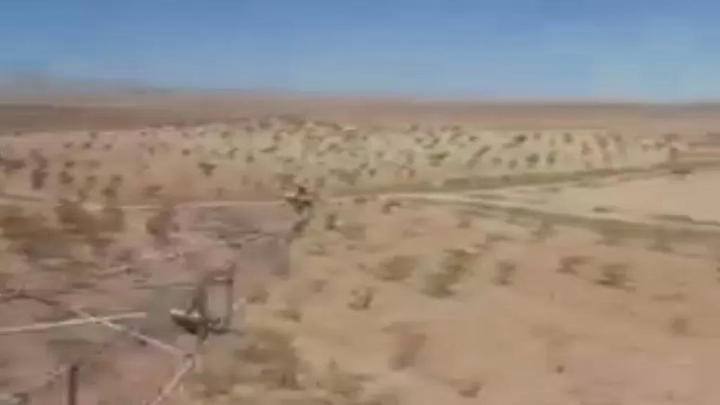 بالفيديو/ طوافات الجيش تعمل على رش المبيدات لمكافحة الجراد