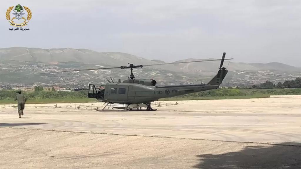 طوافات الجيش تواصل عمليات رش مبيدات حشرية في سهل مرجحين - الهرمل في إطار إجراءات مكافحة أسراب الجراد