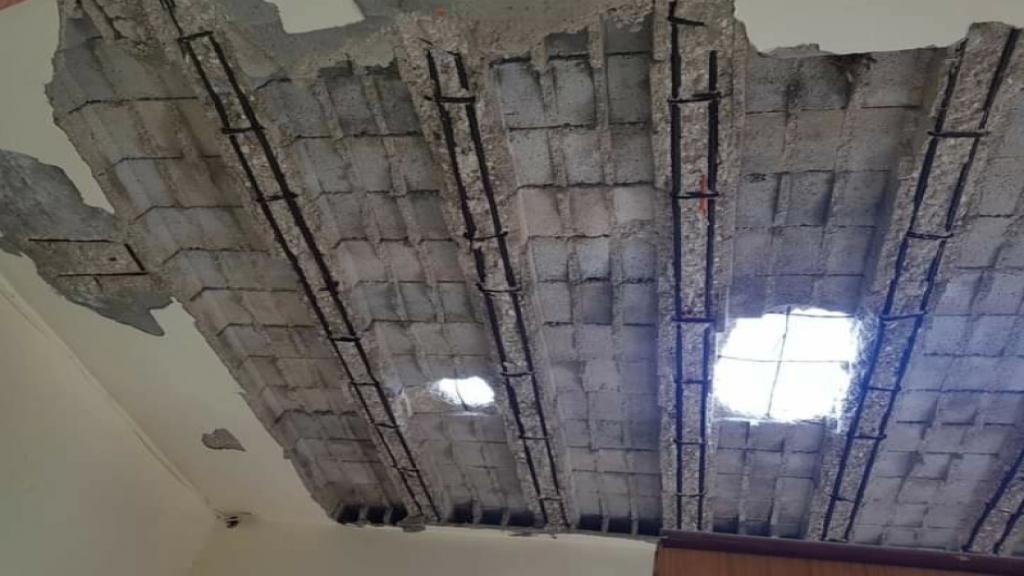 سقوط سقف منزل في حي كنيسة الروم في حلبا والعائلة نجت بأعجوبة