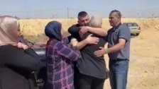 بالفيديو/ لقاء مؤثر مع عائلته...الأسير محمد محاجنة يتنفَّس الحرية بعد 18 عاماً في سجون الاحتلال