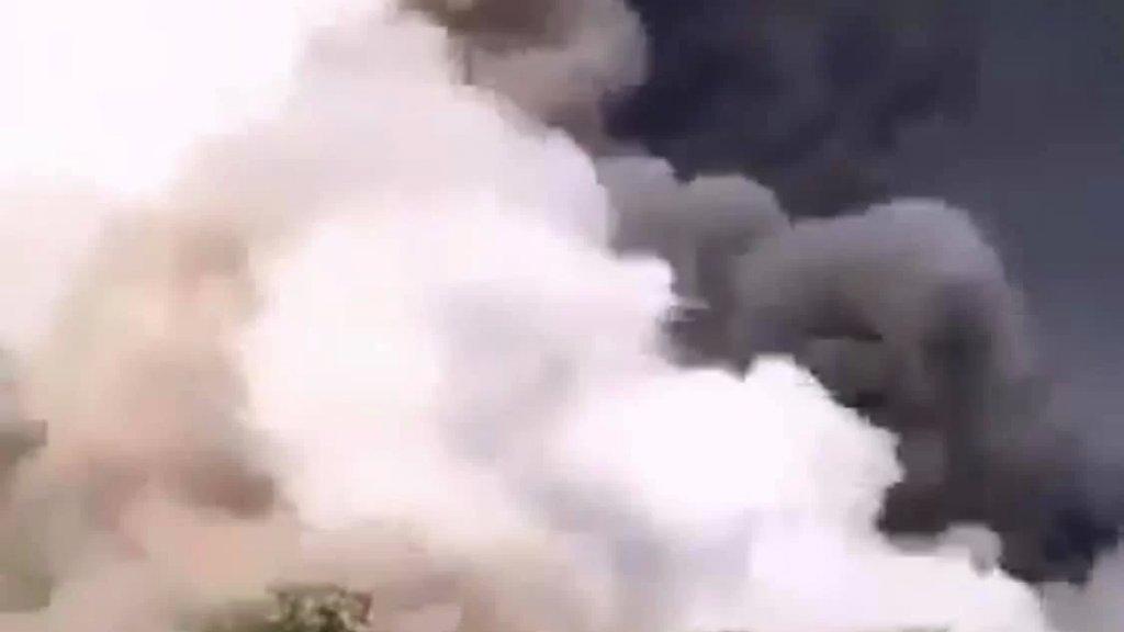 تقارير اعلامية: انفجار في مصنع كيماويات في مدينة قم تسبب باندلاع حريق كبير وهناك عدد من الضحايا في مكان الحادث