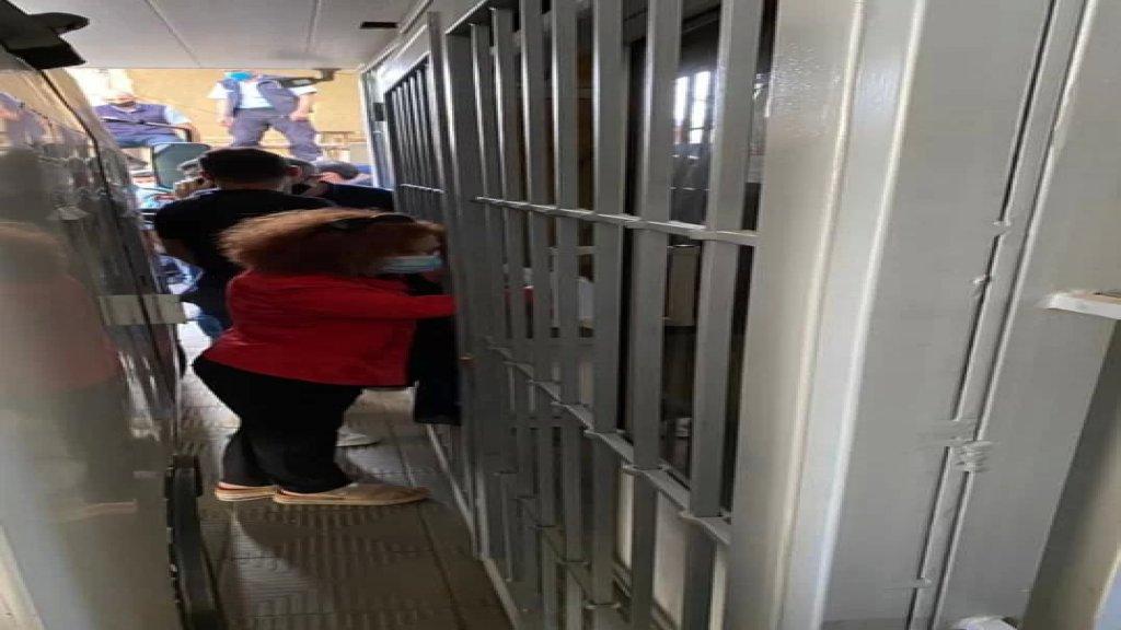 بالصورة/ خلال مداهمة القاضية غادة عون شركة Prosec لتحويل الأموال في بعبدا