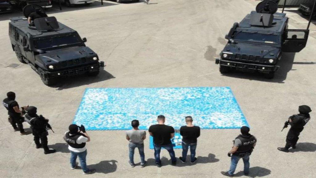 """بالفيديو/ المجموعة الخاصة في وحدة الشرطة القضائية تنفّذ """"احدى اكبر عمليات ضبط مخدرات""""..أكثر من 3500 ظرف و""""علب بلاستيكية"""" موضّب بداخلها المخدرات بطريقة احترافية"""